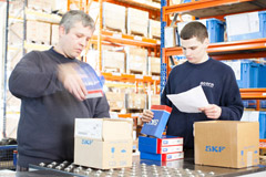 Men despatching products